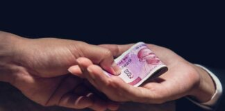 India records highest rate of bribery